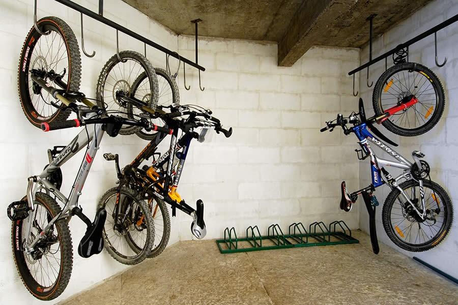 Bike Garage Hotel Centrale