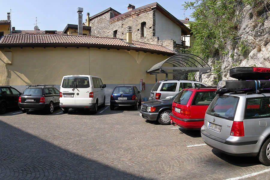 Hotel Centrale Parking
